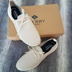 Sperry Aqua Rio slip on sneakers NWT size 8.5